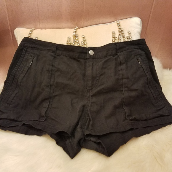 f859857b8835a5 Converse Pants - Converse One Star shorts size 12